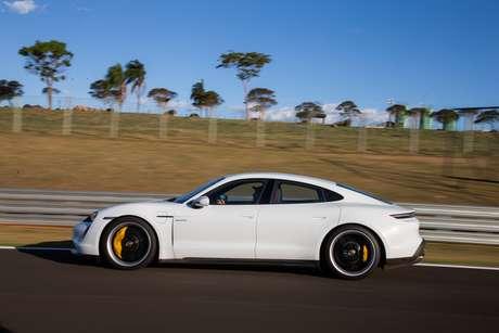Porsche Taycan: novo líder na venda de carros elétricos no Brasil.