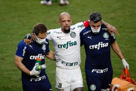 Felipe Melo lesionou o tornozelo esquerdo contra o Vasco
