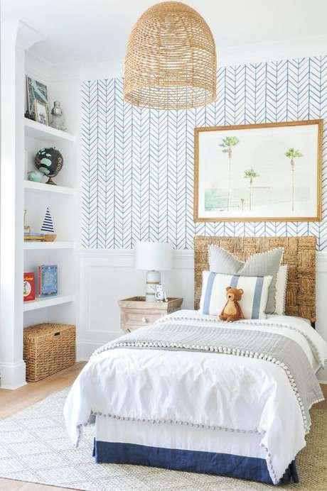17. Cabeceira infantil madeira para cama de solteiro – Via: Monika Hibbs