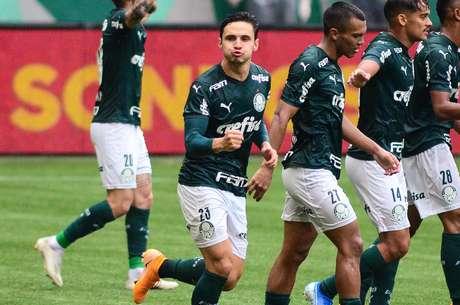 Raphael Veiga marcou o segundo gol do Palmeiras