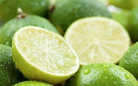 Mitos e verdades do limão: conheça os seus benefícios para a saúde