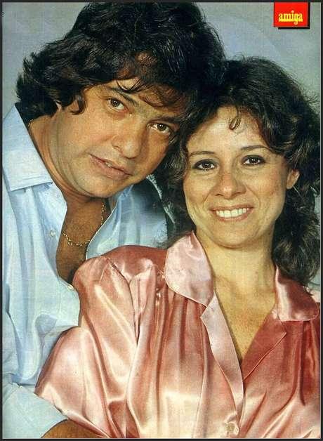 Antônio Marcos e Débora Duarte na revista 'Amiga': relacionamento fez Vanusa ter crises de choro