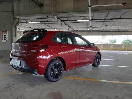 Aerofólio traseiro melhorou a traseira do Onix RS, que tem forte apelo visual.