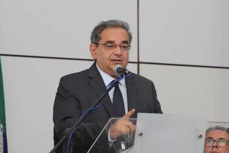 Álvaro Dias (PSDB) é reeleito com 56,58%