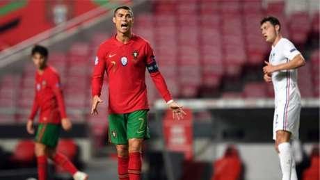 Cristiano Ronaldo busca ajudar seleção portuguesa nesta terça-feira (PATRICIA DE MELO MOREIRA / AFP)