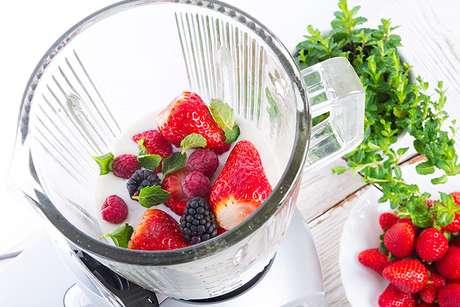 Guia da Cozinha - Liquidificador ou mixer? Entenda as diferenças e usos na cozinha
