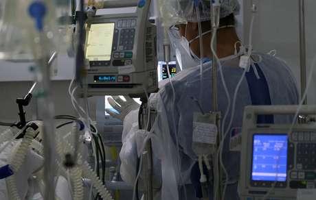 Hospital de campanha no Rio de Janeiro (RJ) em meio à pandemia de coronavírus  02/07/2020 REUTERS/Ricardo Moraes