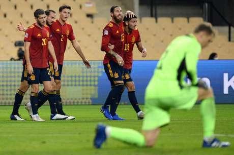 Espanha está nas semifinais da Liga das Nações (Foto: CRISTINA QUICLER / AFP)