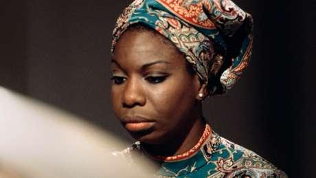 Filme 'What Happened, Miss Simone' retoma a trajetória da cantora e ativista Nina Simone