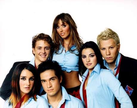 Mais de dez anos após a separação do grupo, quatro dos seis integrantes do RBD se reuniram para lançar nova música