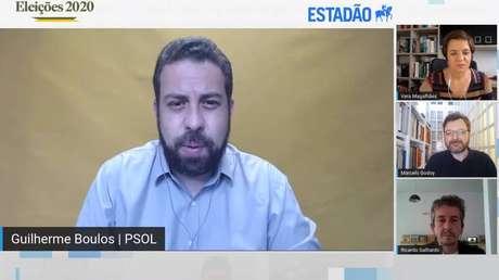 O candidato Guilherme Boulos (PSOL) durante sabatina doEstadãonesta quarta-feira, 18