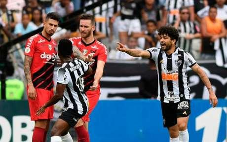 Galo e Furacão ainda devem um jogo do primeiro turno que será pago nesta quarta-feira, 18 de novembro, no Mineirão-(Foto: Divulgação/Athletico)