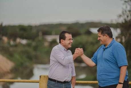 O prefeito Carlão Marchi, do PSD (à direita) e o vice Alexandre Mustafá, do PSDB, reassumiram a prefeitura após terem os mandatos cassados. A dupla venceu as eleições no dia 15