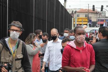 Bruno Covas realiza campanha em São Paulo