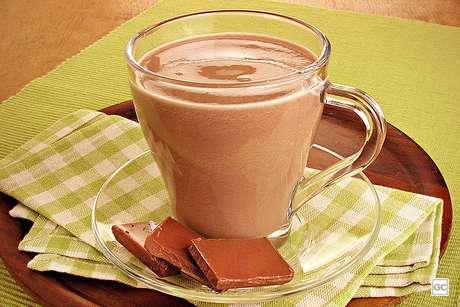 Guia da Cozinha - Receitas rápidas de chocolate quente para dias frios