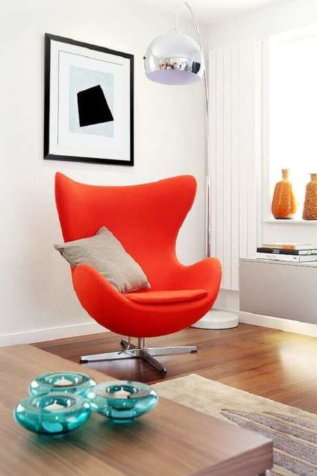 2. Saiba como escolher a poltrona colorida ideal para o seu ambiente – Foto: HomeAdore