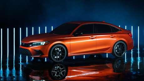 Honda Civic da 11ª geração terá linhas mais limpas.
