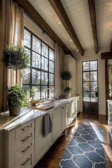 23. Passadeira para cozinha azul estampada – Via: Pinterest