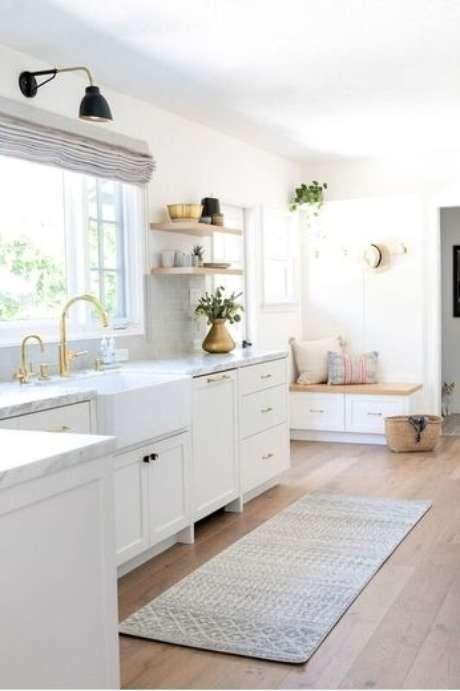 7. Use a passadeira nas cores que mais combinam com a cozinha – Via: Lulu e Georgia