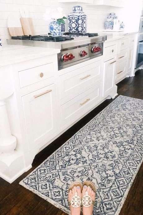 65. Passadeira para cozinha branca – Via: Pinterest