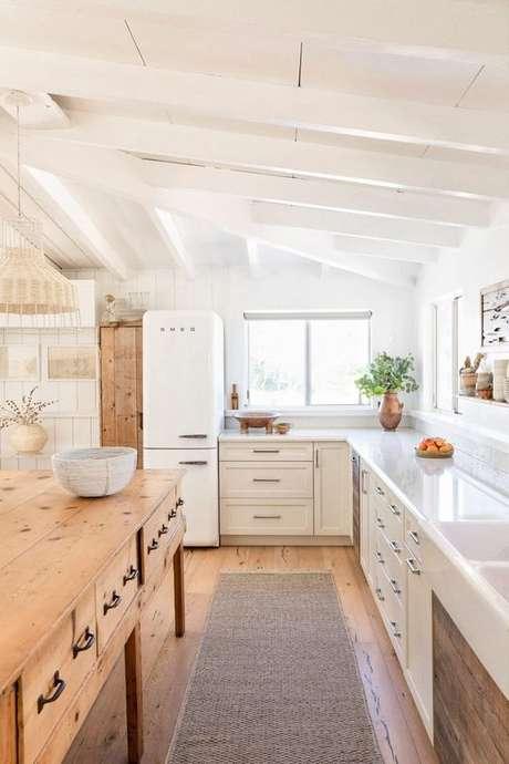 61. Passadeira para cozinha na cor cinza – Via: Pinterest