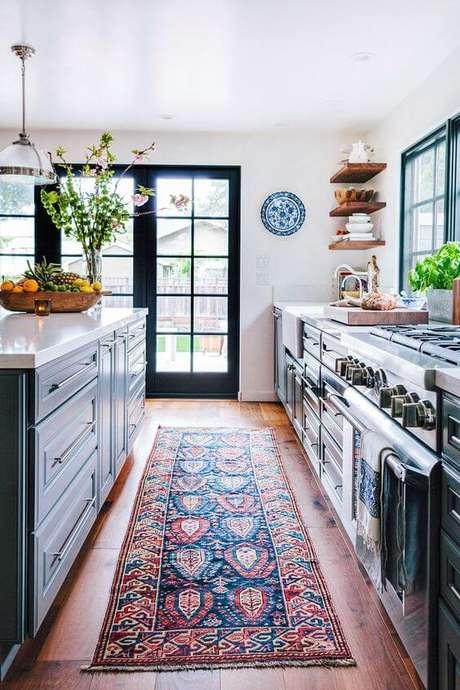 47. Passadeira para cozinha estampada e colorida – Via: Pinterest