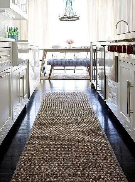 5. Passadeira de sisal para cozinha moderna – Via: One Kings Lane