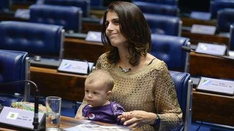 Assim como no caso de Boulos, decisão de apoiar Manuela D'Ávila em Porto Alegre enfrenta resistências