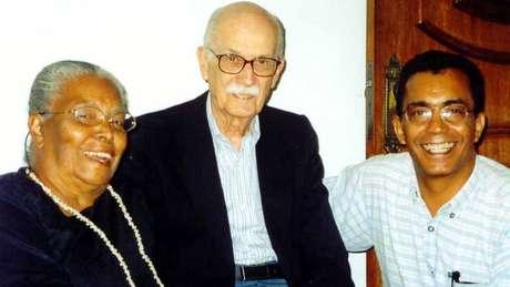 Ruth Guimarães com o crítico literário Antonio Cândido e o jornalista Joaquim Botelho