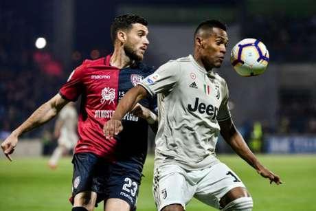 Confronto entre as equipes na última temporada (Marco BERTORELLO / AFP)