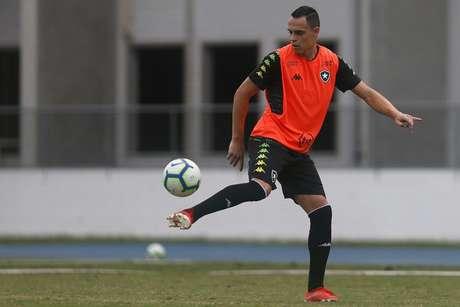 Victor Rangel em ação pelo Botafogo, no ano passado (Foto: Vítor Silva/Botafogo)