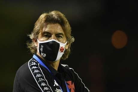 Ricardo Sá Pinto analisou empate do Vasco e explicou mexidas (Matias Delacroix//AFP)