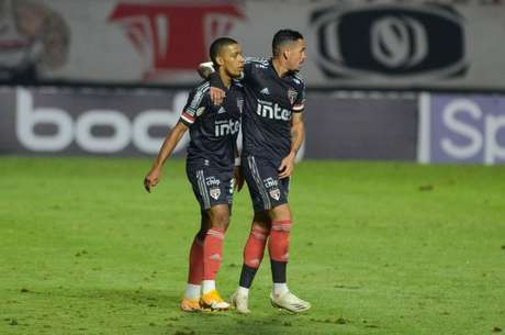 Brenner e Luciano somam 28 gols na temporada (Foto: Renato Gizzi/Photo Premium)