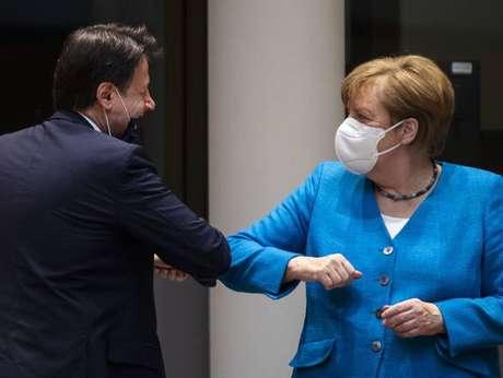 Merkel e Conte conversaram por telefone sobre crises atuais na União Europeia