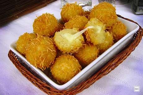 Guia da Cozinha - 9 versões de bolinhas de queijo que você precisa provar