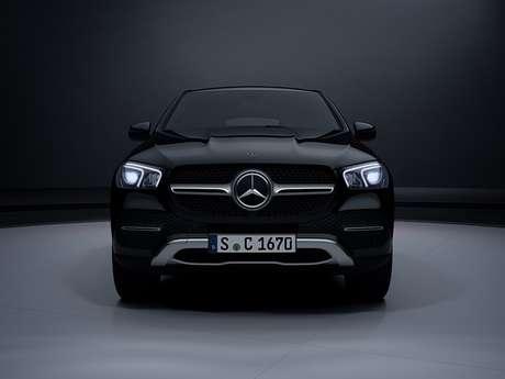 Novo Mercedes GLE Coupé tem a grade característica dos cupês da marca.