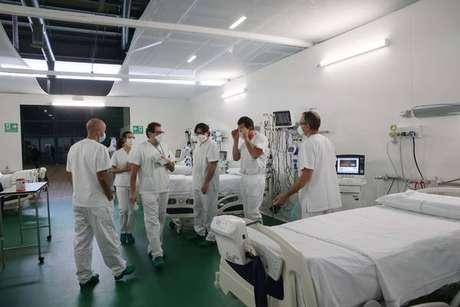 Hospital de campanha realizado em Bergamo