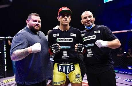 Poatan, que vem treinando com Glover Teixeira, voltou ao MMA em grande estilo (Foto: Reprodução/Instagram/LFA)