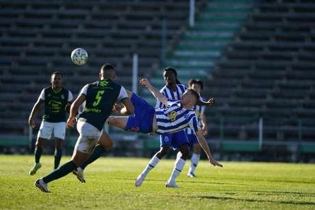 Martínez marcou um belo gol (Foto: Divulgação/Porto)