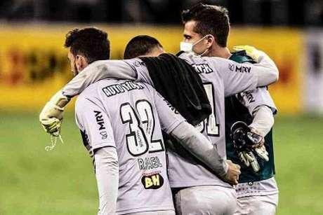 Rafael deu apoio aos colegas de time que estão com o novo coronavírus-(TwitterRafael)
