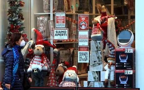 Loja com produtos para o Natal em Milão