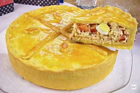 Guia da Cozinha - Empadão de frango caipira para um jantar prático