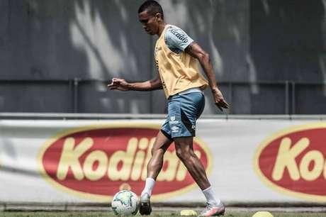 Madson jogou no segundo tempo contra o Furacão, mas não poderá encarar a LDU (Foto: Ivan Storti/Santos FC)