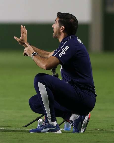 Abel Ferreira perdeu a invencibilidade no comando do Palmeiras