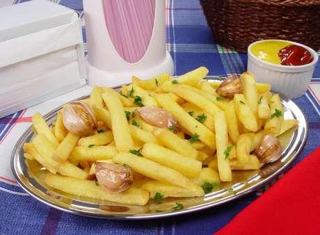 Guia da Cozinha - 7 receitas de batata frita irresistíveis para fazer em casa