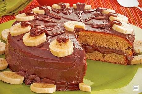 Guia da Cozinha - Bolo de banana com chocolate fácil
