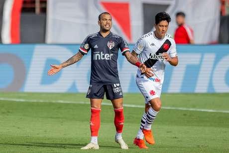 São Paulo apenas empata com Vasco e perde chance de encostar na ponta