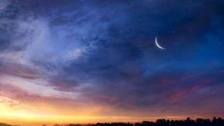 Saiba mais sobre a lua crescente no signo de Peixes - Shutterstock