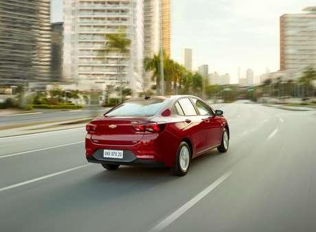 Chevrolet Onix Plus se tornou uma alternativa para quem não pode pagar o altíssimo preço dos sedãs médios.