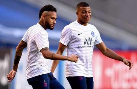 Neymar volta a formar dupla com Mbappé e tenta salvar o PSG